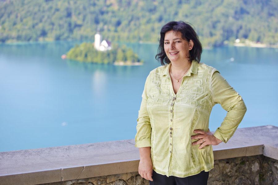 Lastnica in direktorica Ema Pogačar v Gorenjskem glasu